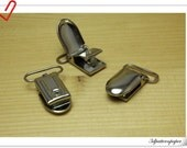 "18 Metal Pacifier Clips - 1"" (2.5 cm ) suspender clips / Bib Holder  silver Z96"