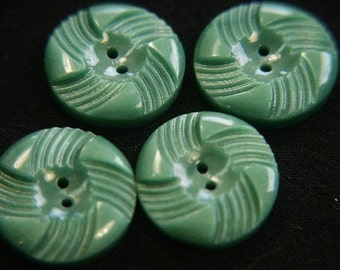 Lot of 5 vintage 1950s unused carwed grass green plastic buttons for your sewing prodjects