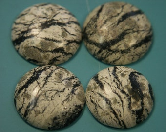 Lot of 5 unusual vintage 1970s unused round natural organic black/white motley marble stone cabuchons for your jewelry prodjects