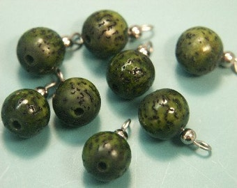 Lot of 15 vintage 1970s small unusual unused small round dyed forest green natural organic betelnut charms