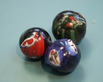 Lot of 3 vintage 1980s handworked round multicolor glass beads for your beading prodjects