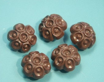 Lot of 13 small vintage 1960s decor brown plastic buttons with selfschranks for your sewing prodjects