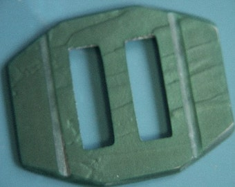 Vintage 1950s green plastic buckle for your sewing prodject