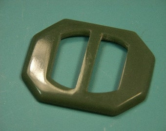 Vintage 1940s used moss green plastic buckle for your sewing prodjects