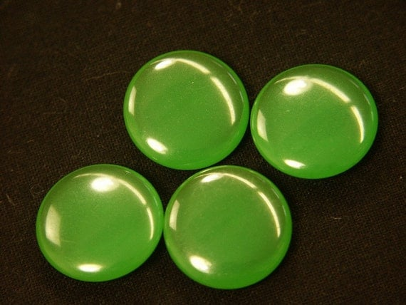 Lot of 10 rare smaller vintage 1940s round halftranslucent grass green genuin tested bakelite discs for your jewelry prodjects