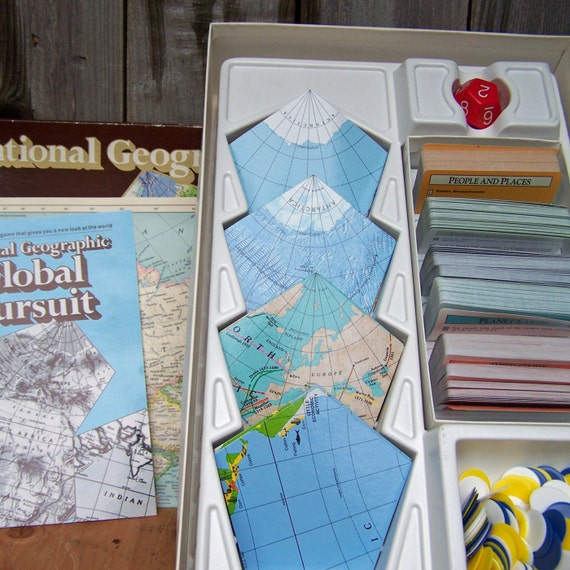 Vintage National Geographic Global Pursuit Game, COMPLETE