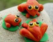 Froggy Family miniature terrarium decor