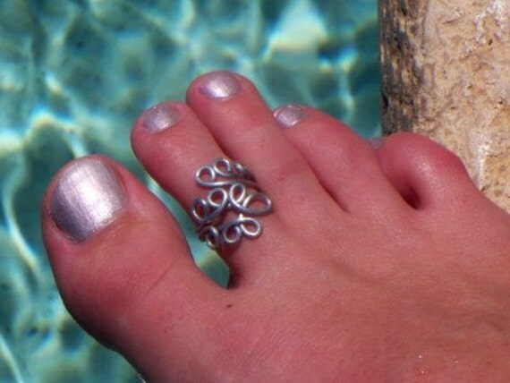 Happy Silver Fern Toe Ring