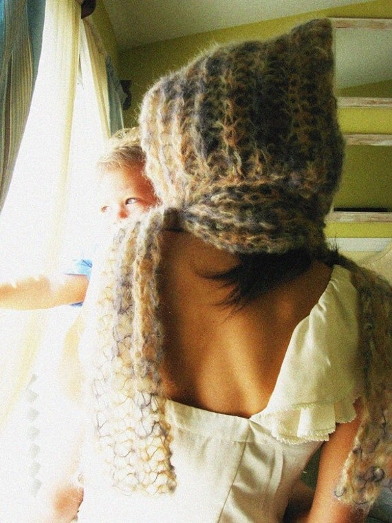 Hooded Scarf - Lioness