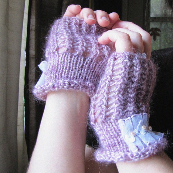 Lacy Mittens - Lavender and Lilac