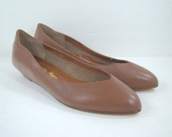 Vintage Flats Shoes Pointed Toe Wedge Shoes Sz 6.5