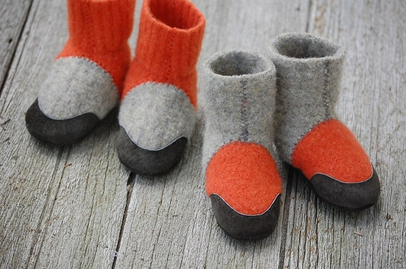 Baby Shoes, Wool Slippers, Leather Soles, Eco Friendly, size 12-24 months, Firefly