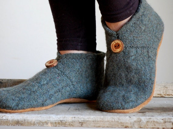 Womens Wool Slippers, Minimalist Style, Handmade & Eco Friendly, size 8, Pines
