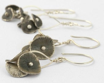 Short Silver Bell Flower Cluster / oxidized silver - organic - botanical - dark - unusual