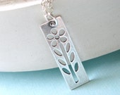Silver Modern Flower Necklace - Simple Daisy