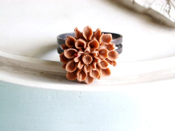 Cocoa Bloom Ring