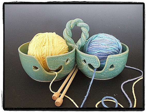 Double Yarn Bowls for Multi Yarn User with Decorative Handle by misunrie in Turquoise