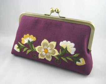 Hand Embroidery | Bridesmaid Gift | Bridesmaid Clutch | Bridesmaid Present | Bridal Shower Gift Floral