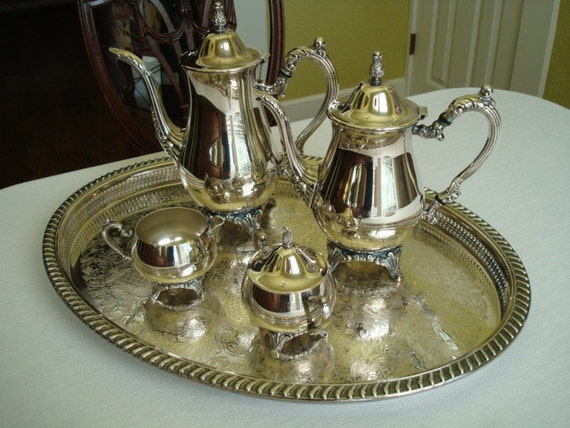 Vintage Wm Rogers Silverplate Tea Set With Gallery Tray...EXCELLENT