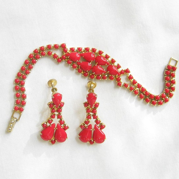 Vintage Red Glass Cabochons Rhinestone Bracelet and Dangle Earrings Demi Parure Set