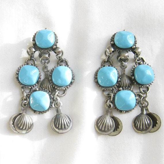 Vintage Faux Turquoise Blue Glass Bead Dangle Clip Earrings