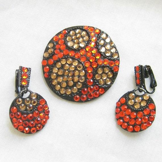 Vintage Retro Black Japanned Hot Orange and Topaz Rhinestones Brooch or Pin and Dangle Earrings Demi Parure Set