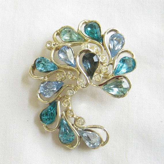 Vintage Shades of Blue and Clear Rhinestones Swirling Pin or Brooch