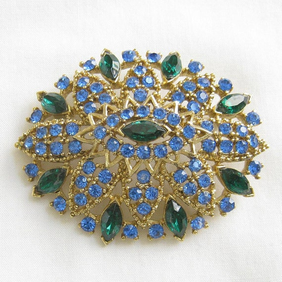 Vintage Green and Blue Rhinestones Oval Brooch or Pin