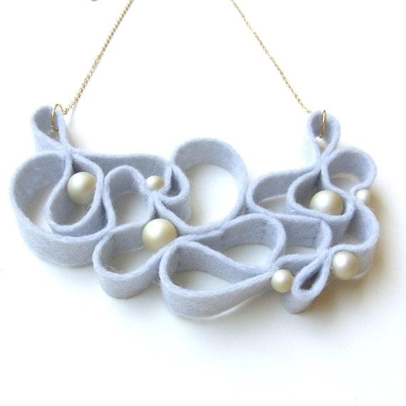 Kune Felt Necklace - Light Gray