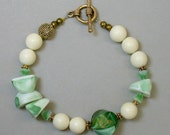 Vintage Japanese Lucite Mint Green Bead Bracelet , Glass Flowers -Mojito