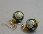 Vintage Bead Earrings Huyu Rose - Japanese Black White Flower Tensha