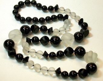 Vintage Black Onyx Carved Bead Hand Knotted Necklace Hand Carved White Snow Quartz