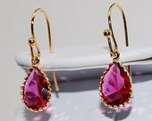 Fuschia Drop Earrings in Gold