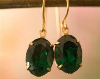 Emerald Hollywood Glamour Earrings, Angelina Jolie Earrings, Deep Green Earrings, Holiday Earrings, Oval Earrings, Emerald Stones, Christmas