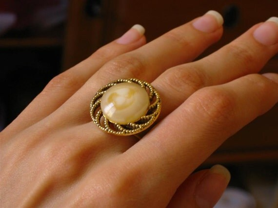 Vintage Button Ring - Cappuccino Swirl