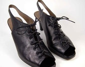 Vintage Avant Garde Black  Leather Oxford Peep Toe Stiletto Booties Size 6. Nicole made in Italy