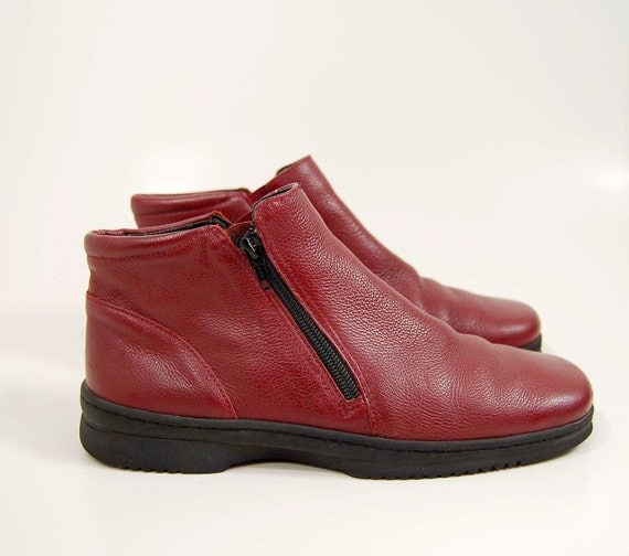 1980s  oxblood leather Chelsea style ankle booties  Size 8.5