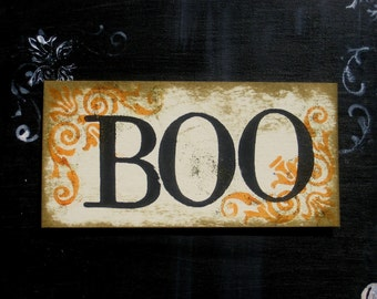 BOO Halloween Sign