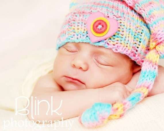 READY to SHIP---Pastel Stocking Cap- HaNd KnIt for BaBy- NeWbOrN -----Free US Shipping