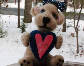 Valentine Gift Gift For Her Needle Felted Mouse Sweetpea Wool Sculpture Wool Valentine Mouse