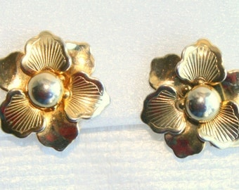 Golden Pansy Flower Earrings Retro Layered Floral Petals Signed STAR
