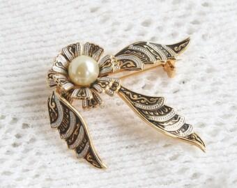 Vintage Damascene Pearl Brooch Spain Spanish Ribbon Pin Gold White Black Bow Pearl Center