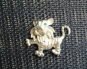 Lion Cub Brooch Silver Vintage Figural Pin Cute Small Green Rhinestone Eyes Baby Simba