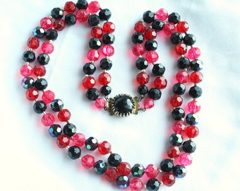 Red Black Bead Necklace Vintage 1950s Multi Strand Beaded Fancy Clasp Hong Kong