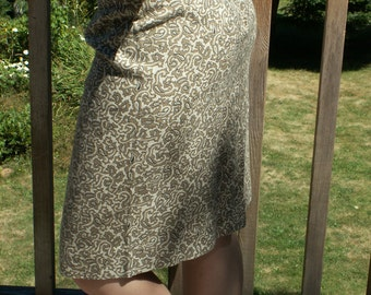 Gray Paisley Wiggle Skirt Vintage 1960s Edith Martin Cream Grey Black Size 4 to 5