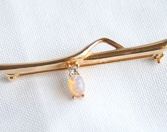 Opal Bar Pin Brooch Vintage Delicate Feminine Signed Sarah Coventry