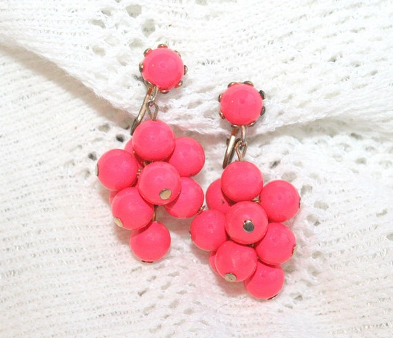 Vintage Hot Pink Earrings Dangle Cluster Fuschia Balls Clips Retro 1950s Coral Pink