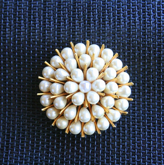 Vintage Pearl Teardrop Explosion Brooch Pin Starburst Galaxy Layered Signed ART