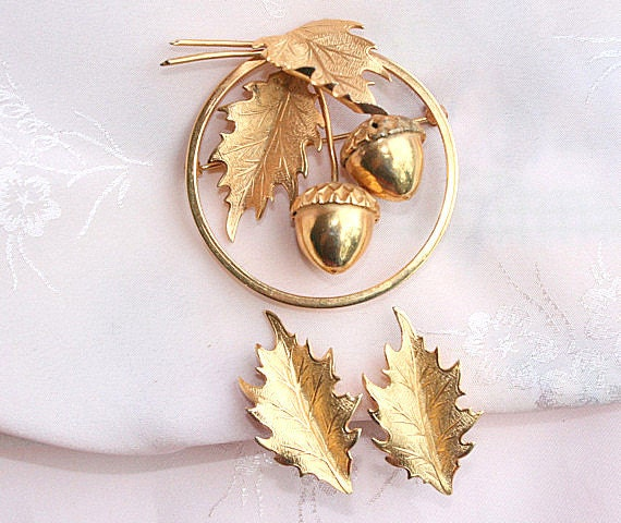 Acorn Leaf Brooch Earrings Set Vintage Gold Circle Pin Signed Giovanni Leaves