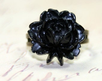 A Black Rose Ring